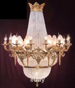 French Chandelier with Crystals and Gilded Bronze (Louis XVI)